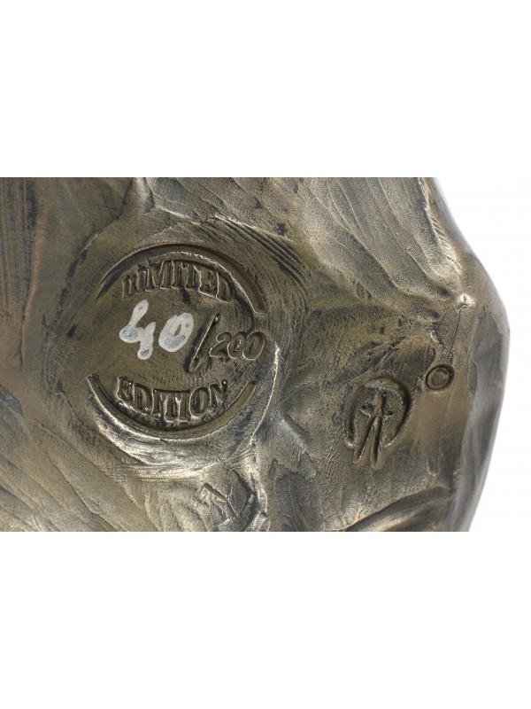 Staffordshire Bull Terrier - figurine (resin) - 142 - 7671